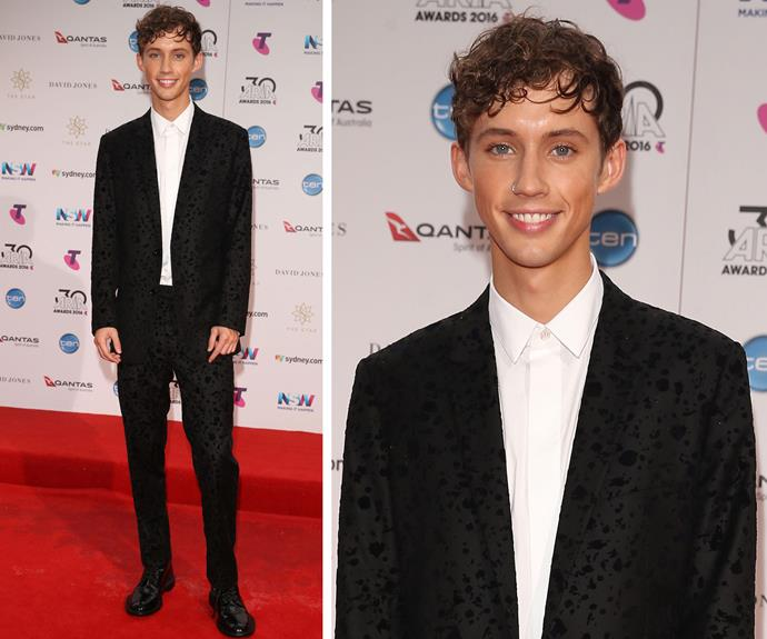 Troy Sivan looks oh so youthful.
