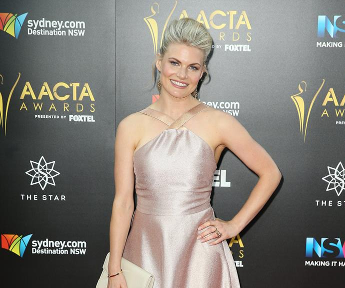 *Home and Away* favourite Bonnie Sveen opted for a voluminous hairstyle.