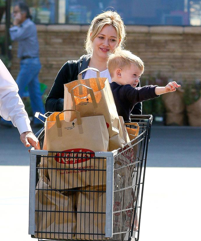 With a food blogger for a sister, Hilary Duff knows better than to leave her food shopping until the last minute! Here she is with son Luca, picking up enough groceries to last until New Year's Eve!