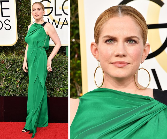 Anna Chlumsky is a vision in this emerald green gown.