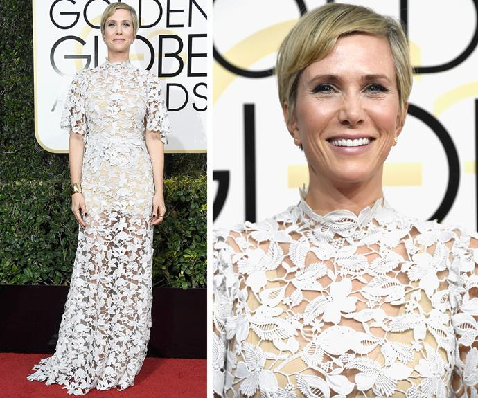 Kristen Wiig shows off her stunning blonde pixie cut.