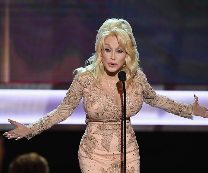 Dolly Parton had the crowd in stitches as she introduced actress and bestie Lily Tomlin, who won the Lifetime Achievement Award.