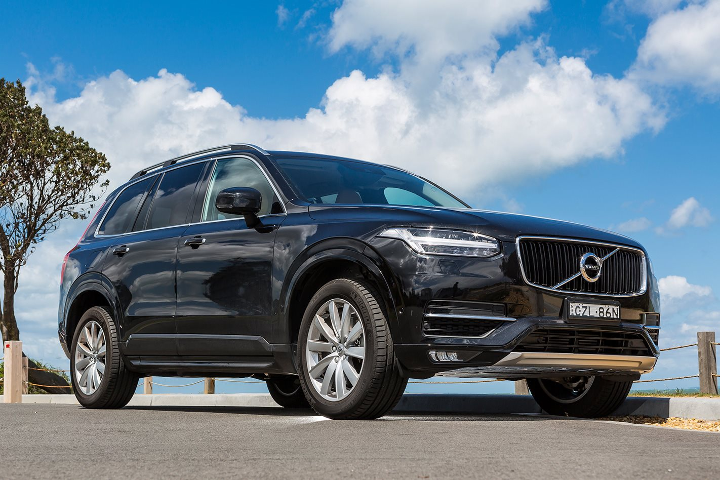 specs india images review pics volvo price features suv luxury