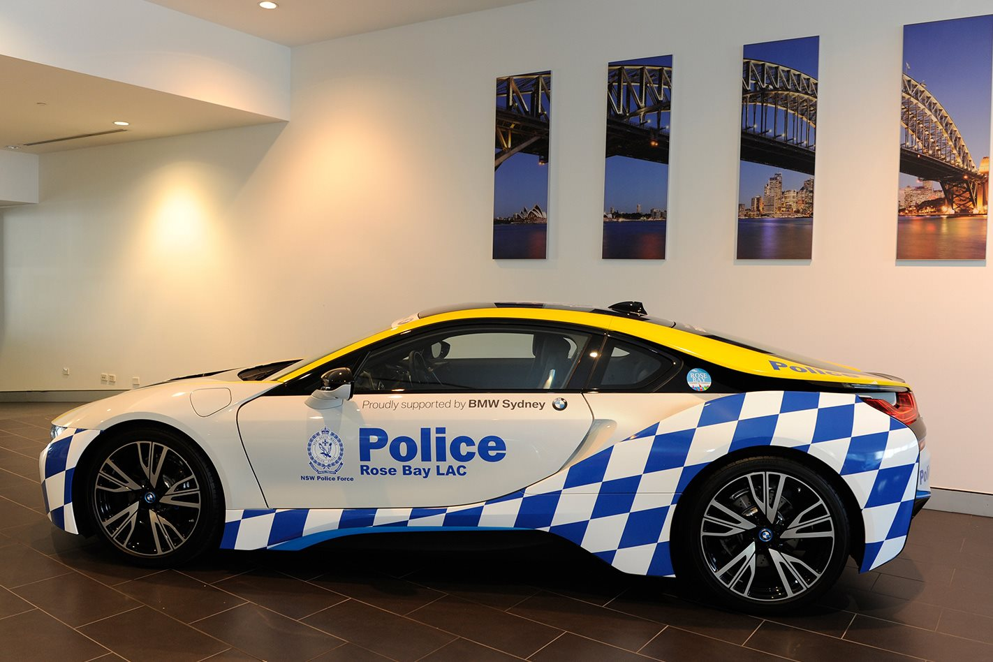 2016 BMW i8 added to NSW Police fleet