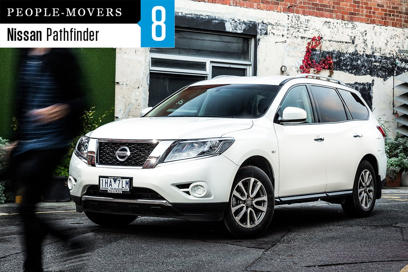 seven seater comparison review nissan pathfinder st awd wheels. Black Bedroom Furniture Sets. Home Design Ideas