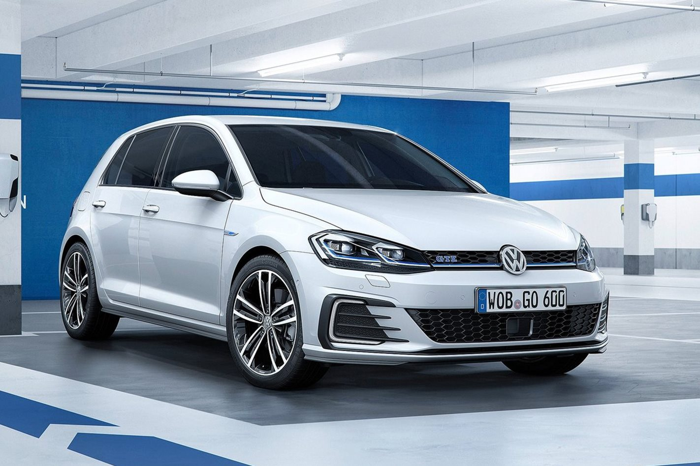 2017 volkswagen golf mk7 5 brings new tech new engines. Black Bedroom Furniture Sets. Home Design Ideas