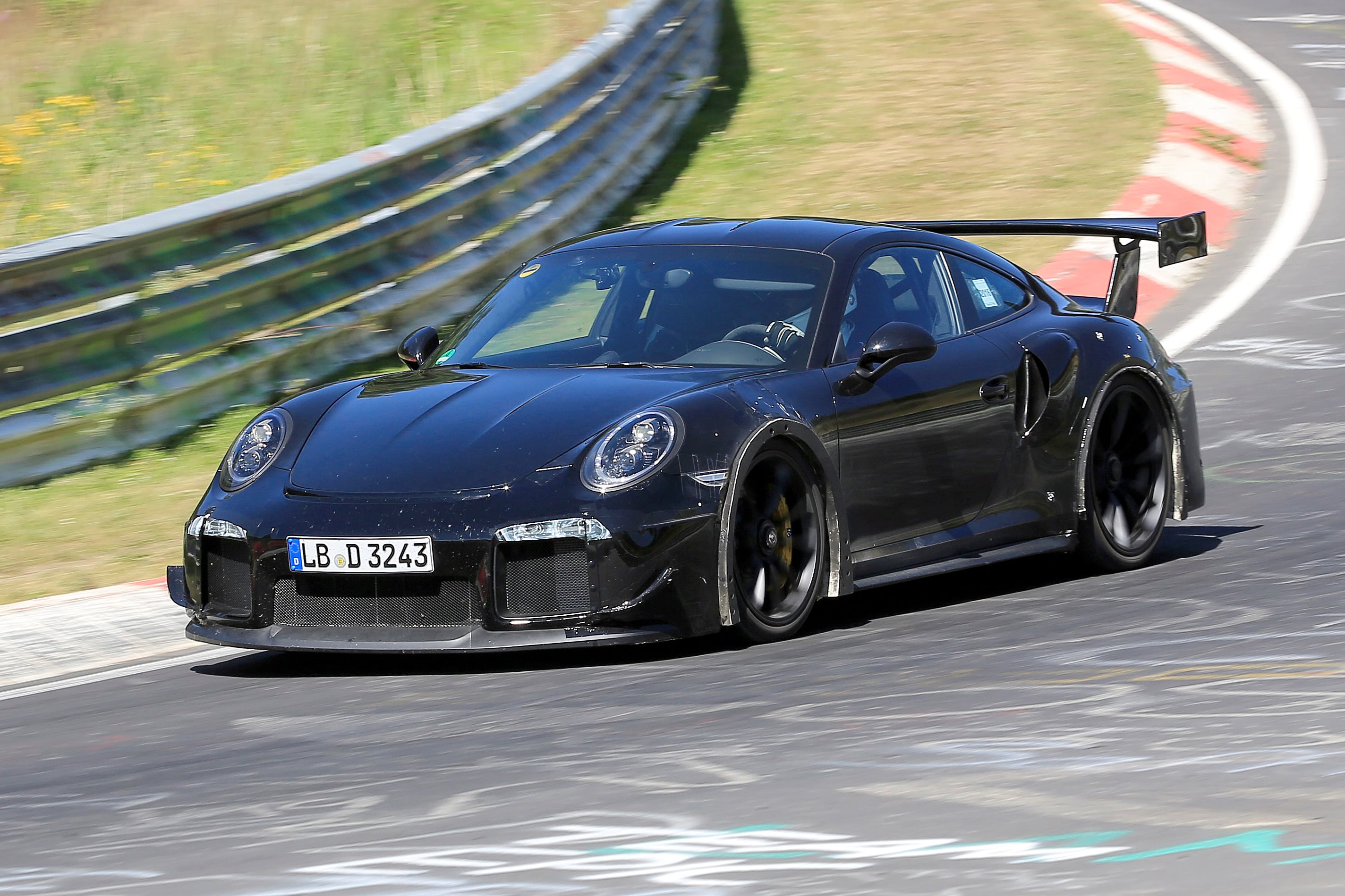 2018 porsche 911 gt2 rs to miss out on manual gearbox option wheels. Black Bedroom Furniture Sets. Home Design Ideas