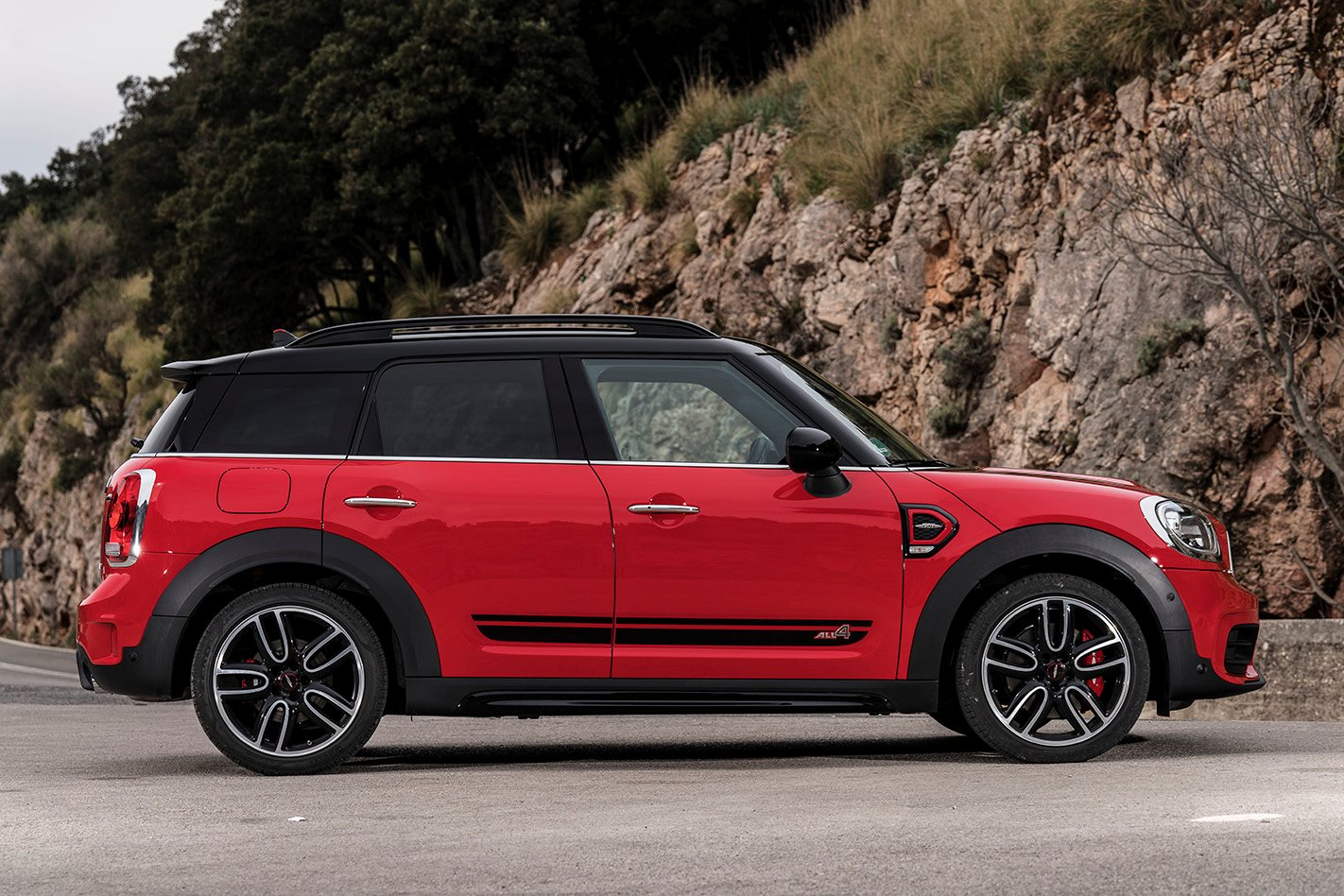 2017 mini countryman jcw revealed. Black Bedroom Furniture Sets. Home Design Ideas