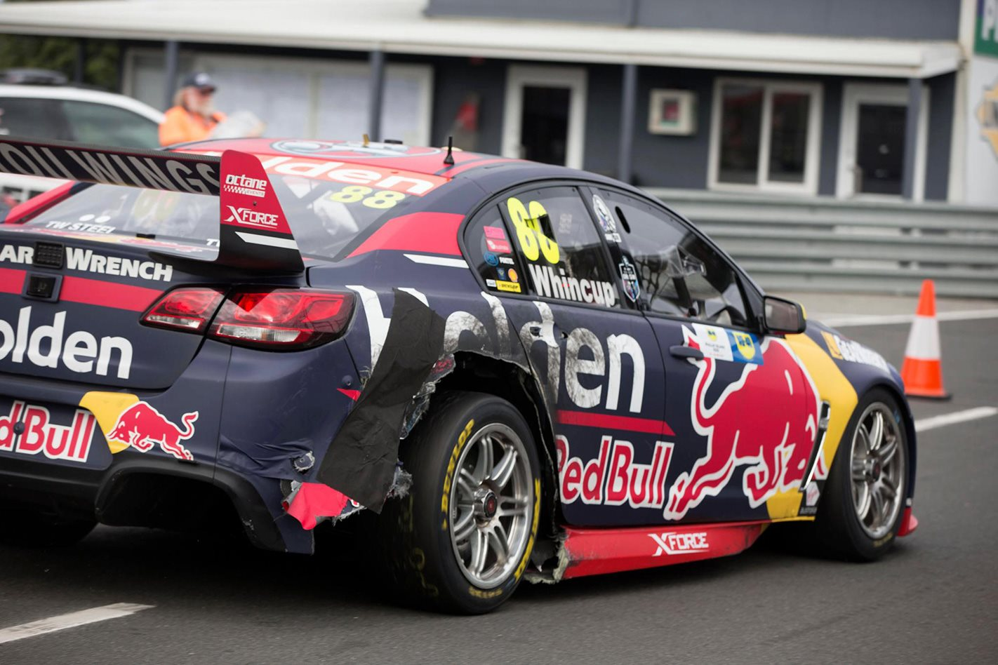 Tyre blowouts rule at Phillip Island Supercars round