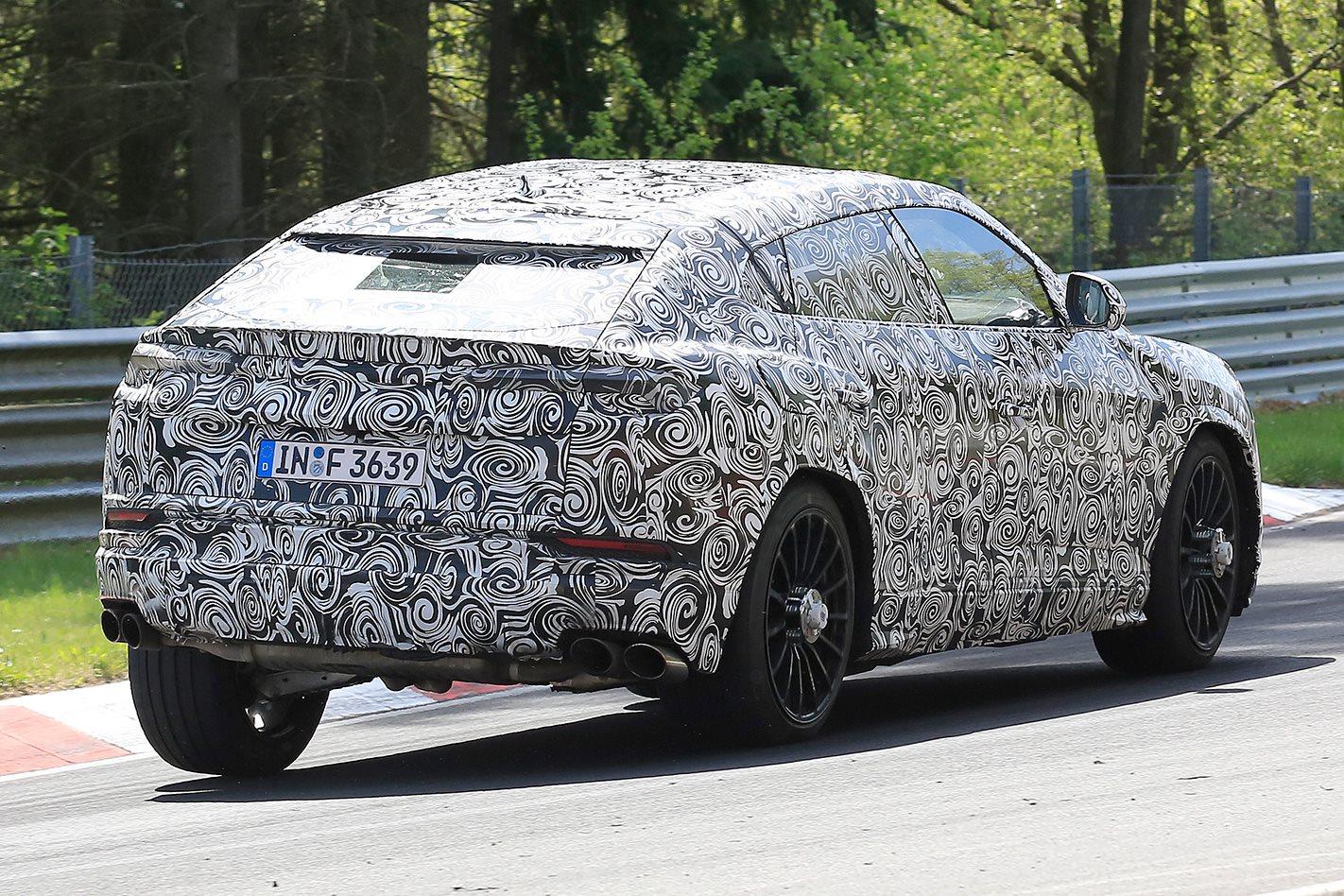 2018 Lamborghini Urus spy pics