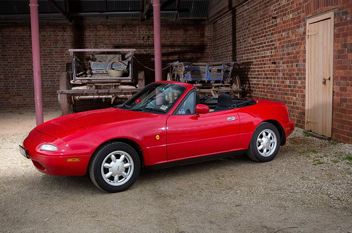https://d3lp4xedbqa8a5.cloudfront.net/s3/digital-cougar-assets/wheels/2017/05/18/Misc/Mazda-MX-5-side.jpg