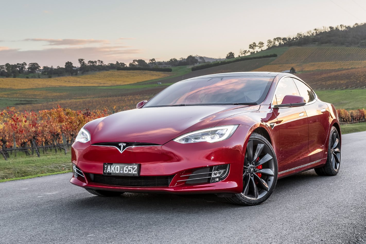2018 tesla p100d. plain tesla things are less aurally exciting in the tesla which doesnu0027t so much roar  as whoosh after myriad updates since launching 2014 to improve functionality  in 2018 tesla p100d