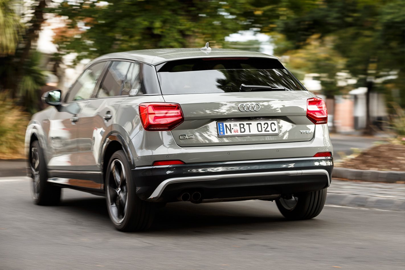2017 audi q2 design v 2017 mini countryman comparison review wheels. Black Bedroom Furniture Sets. Home Design Ideas