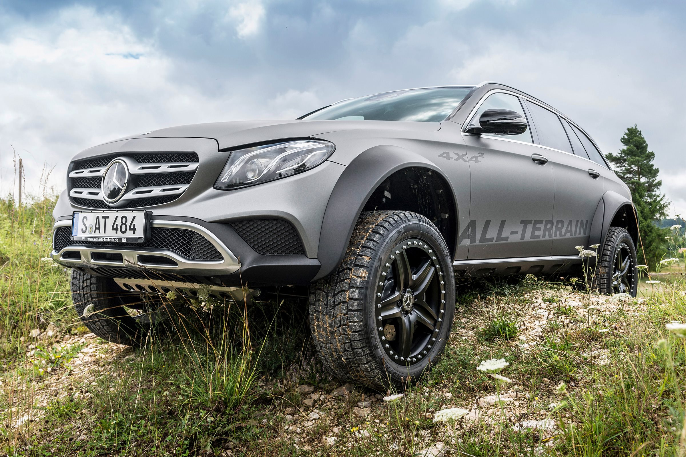 mercedes benz e class all terrain 4x4x2 is the ultimate off road wagon. Black Bedroom Furniture Sets. Home Design Ideas