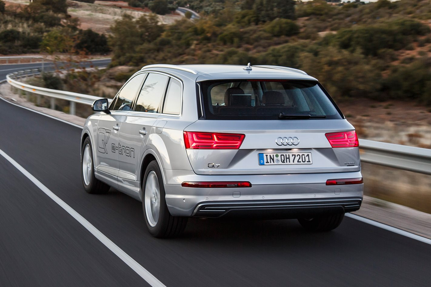 And when it did the e tron is just as happy at more typical autobahn speeds with diesel and electric motors working in unison the q7 can hit the