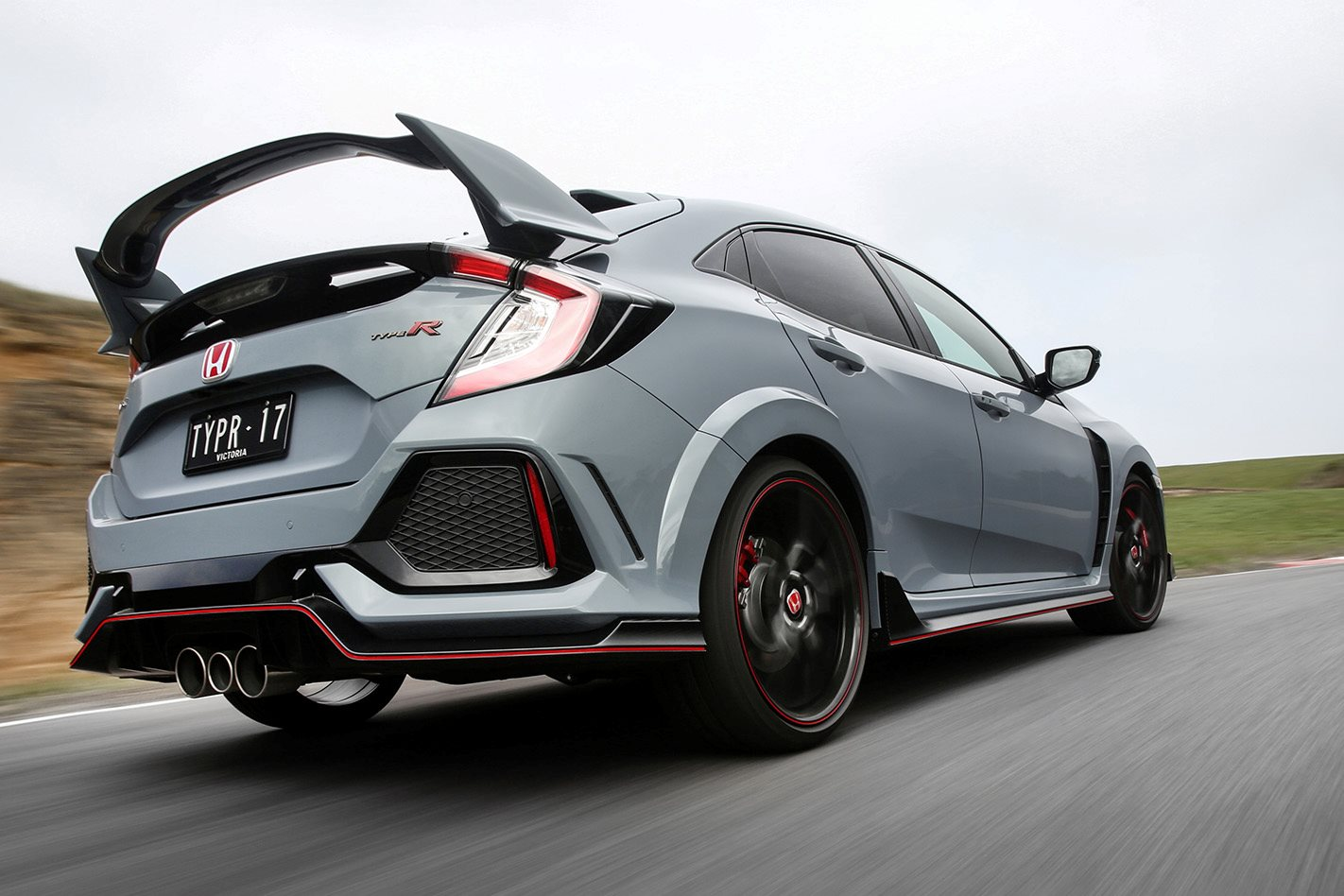 2018 honda civic type r. Modren Civic The Fifthgen Type R Takes The Surface Change In Its Stride Multilink  Suspension Absorbing Lumps And Bumps With Unexpected Maturity To 2018 Honda Civic Type R
