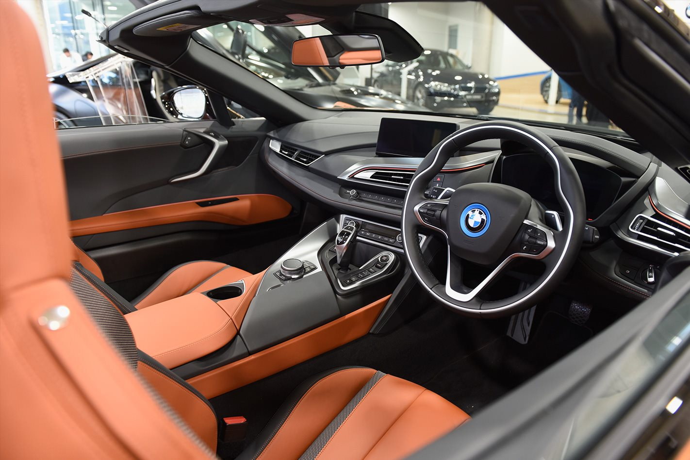 2018 bmw i8 roadster steps out in sydney. Black Bedroom Furniture Sets. Home Design Ideas