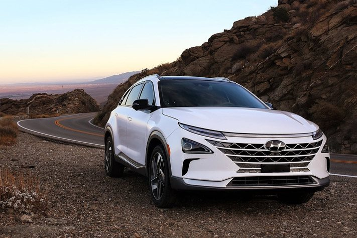 Hyundai's new hydrogen-powered auto  will be called the Nexo