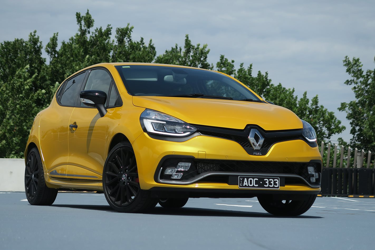 2018 renault clio rs cup review. Black Bedroom Furniture Sets. Home Design Ideas