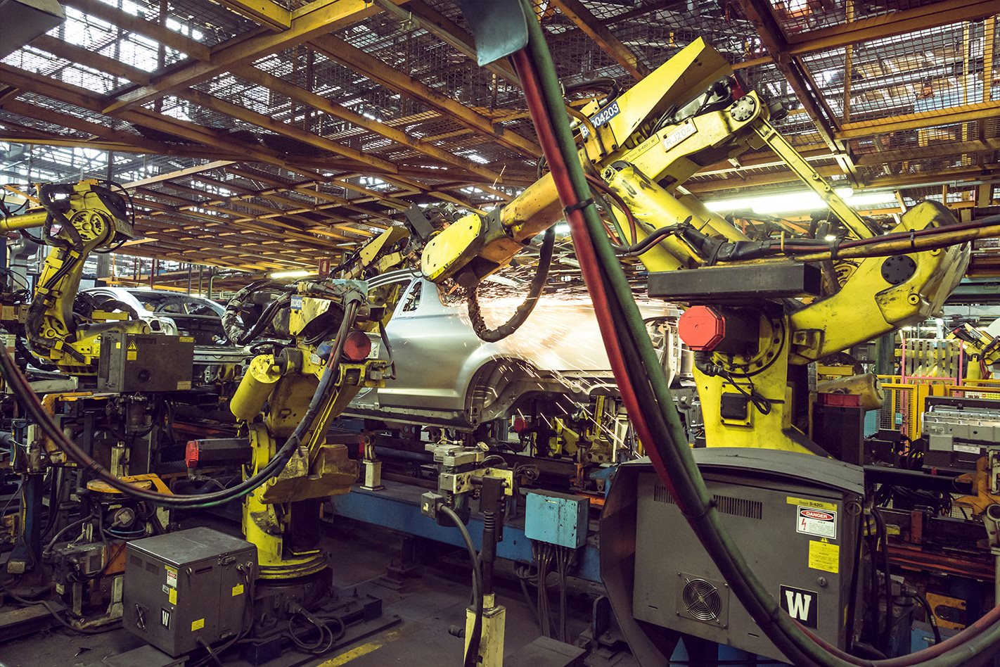 Happy e-Australia Day: Time runs out for Holden\'s robot workforce ...