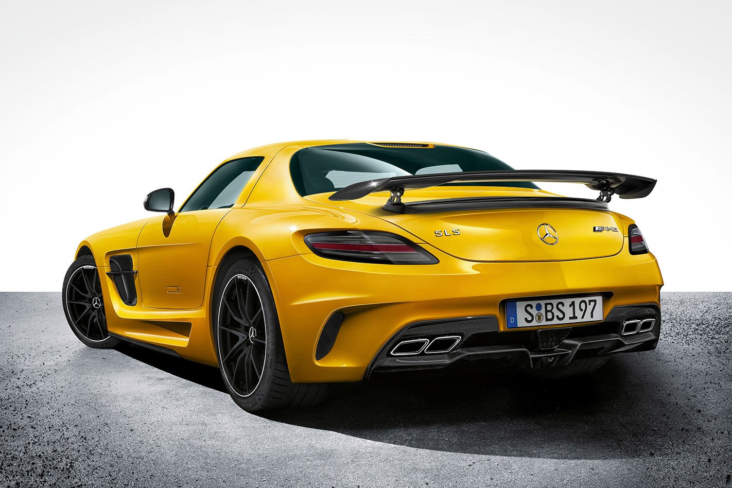 Mercedes-AMG GT 4-Door Coupe Is A Smart-Looking 630HP Bruiser