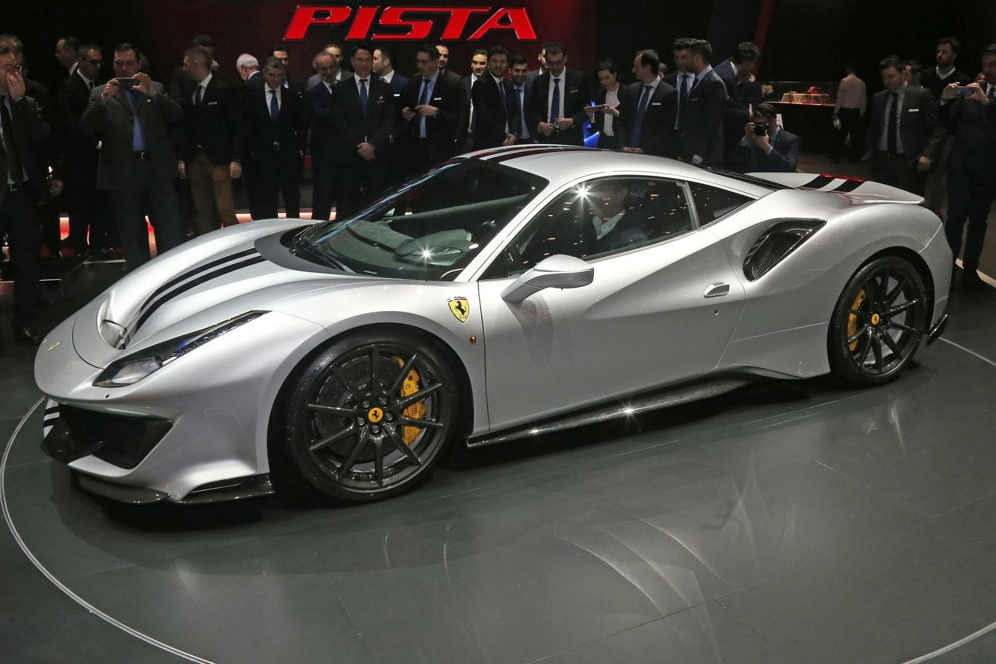 Carbon Fibre Car Wheels >> Ferrari 488 Pista to roll on Aussie-made wheels