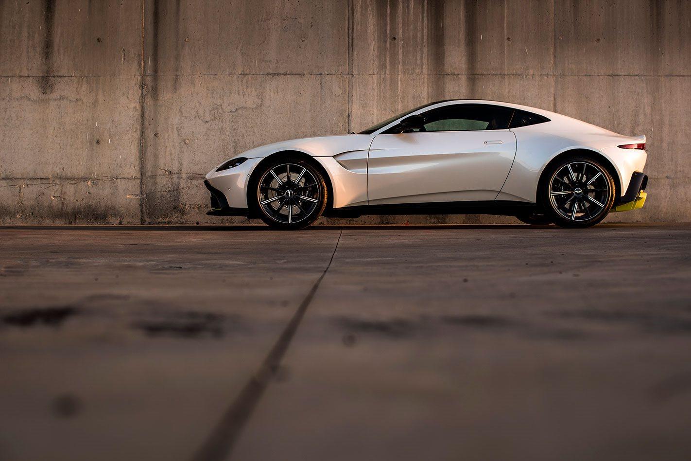 2018 Aston Martin Vantage side profile