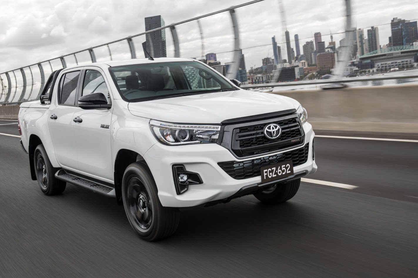 2018 toyota hilux rogue rugged and rugged x review. Black Bedroom Furniture Sets. Home Design Ideas