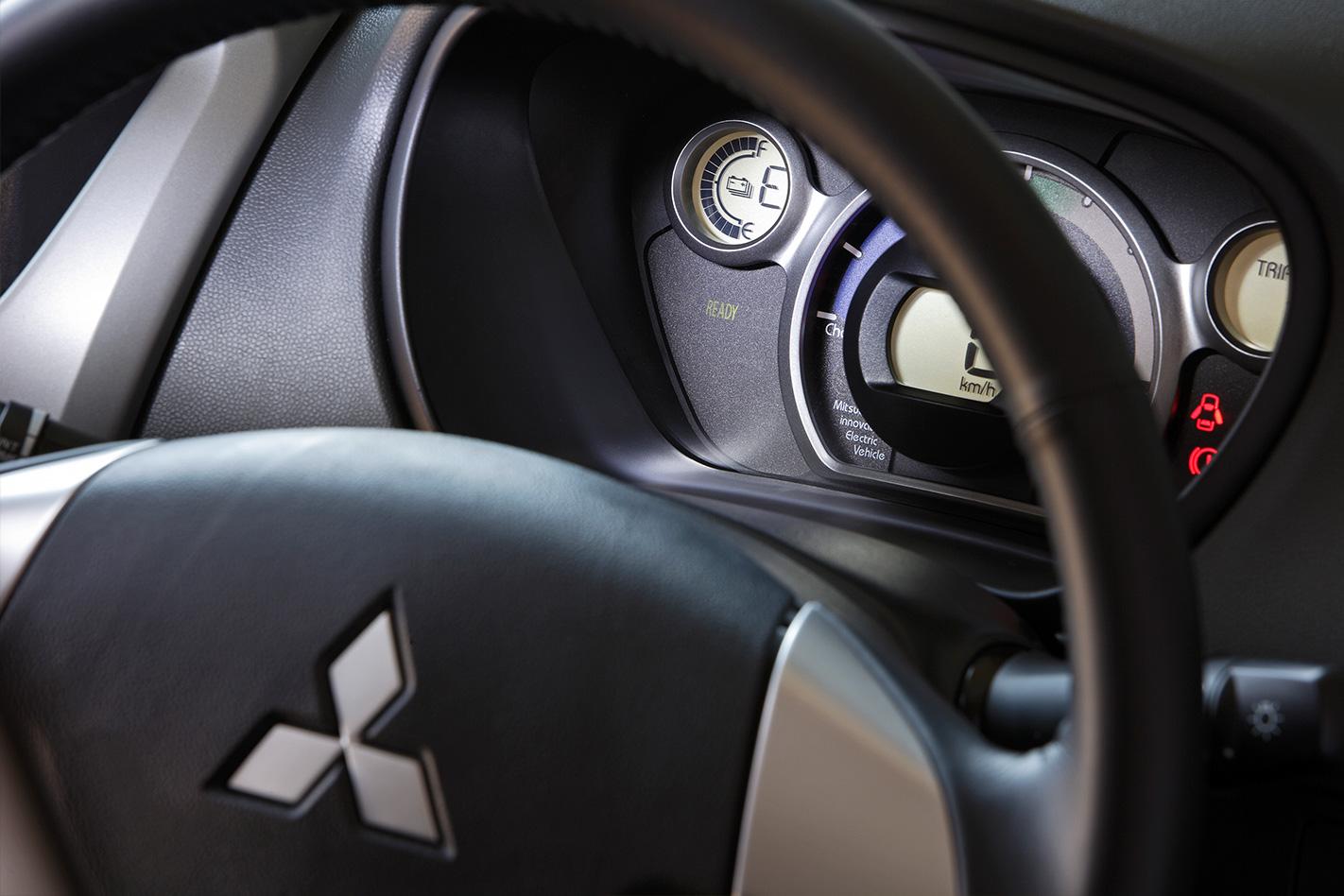 Takata airbag recall mitsubishi