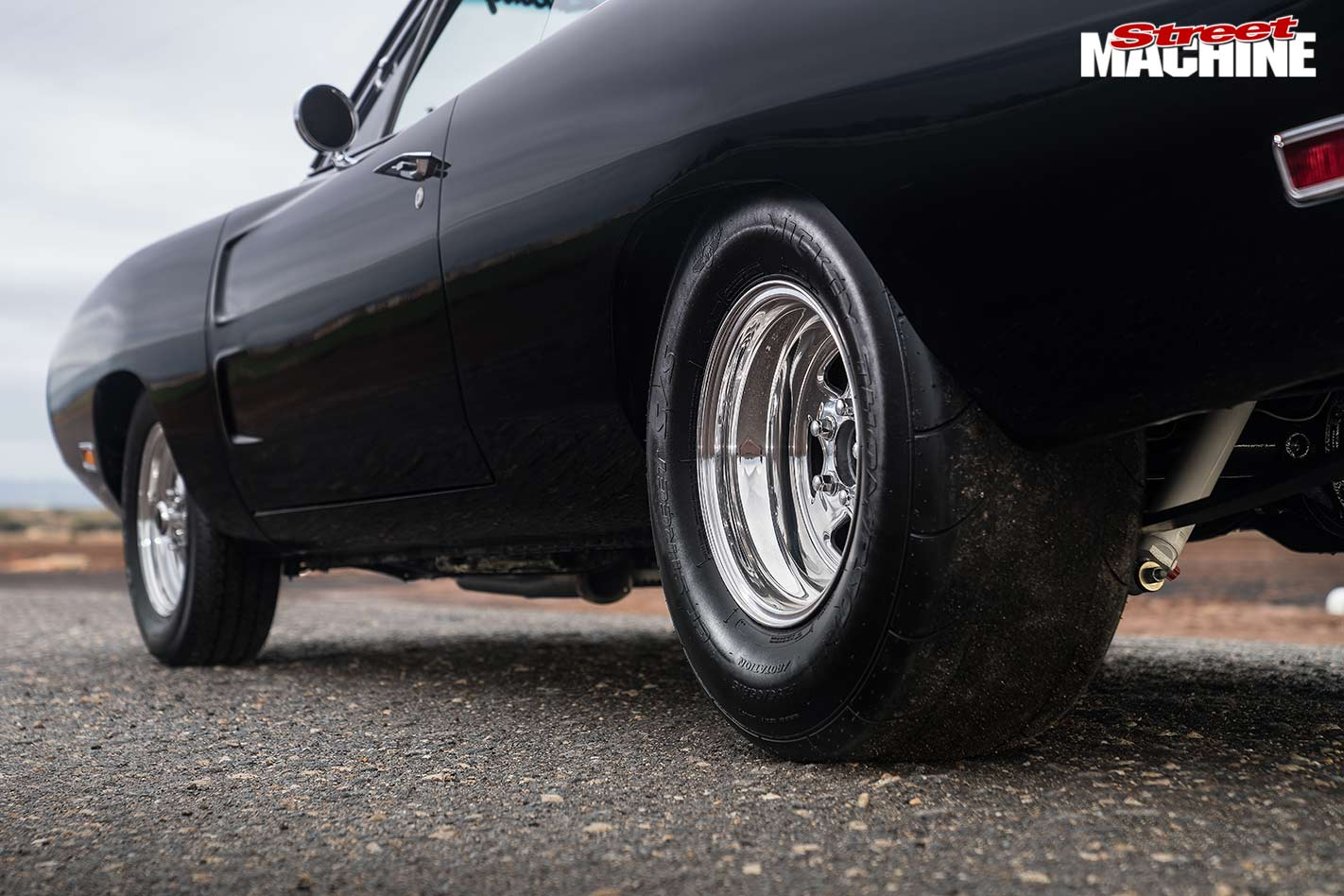 Blown Big Block Fast Furious Dodge Charger Tribute 1968 Drag Car Obviously The Chrysler Engineers And Stylists Had Racing In Mind When They Designed Theres No Problem Fitting A 10in Rim 295 Rubber
