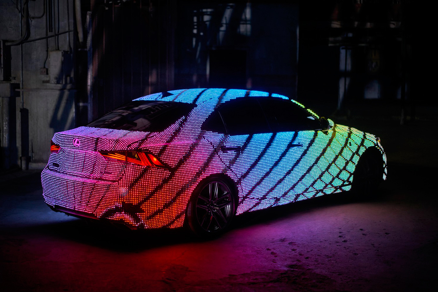 Lexus IS Lights Up For Music Video With LEDs - Car light show