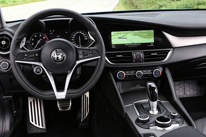 2017 alfa romeo giulia pricing and features