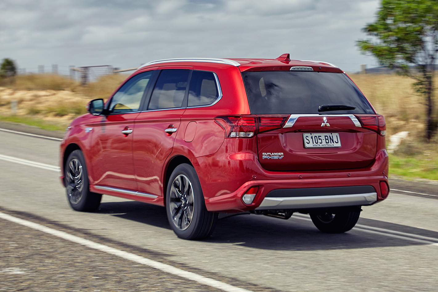 2017 Mitsubishi Outlander Phev 9 Things You Didnt Know Wiring Harness 2006 Endevour Here Are Nine Probably About The