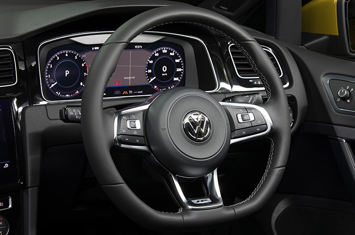 Best small car infotainment systems - 2017