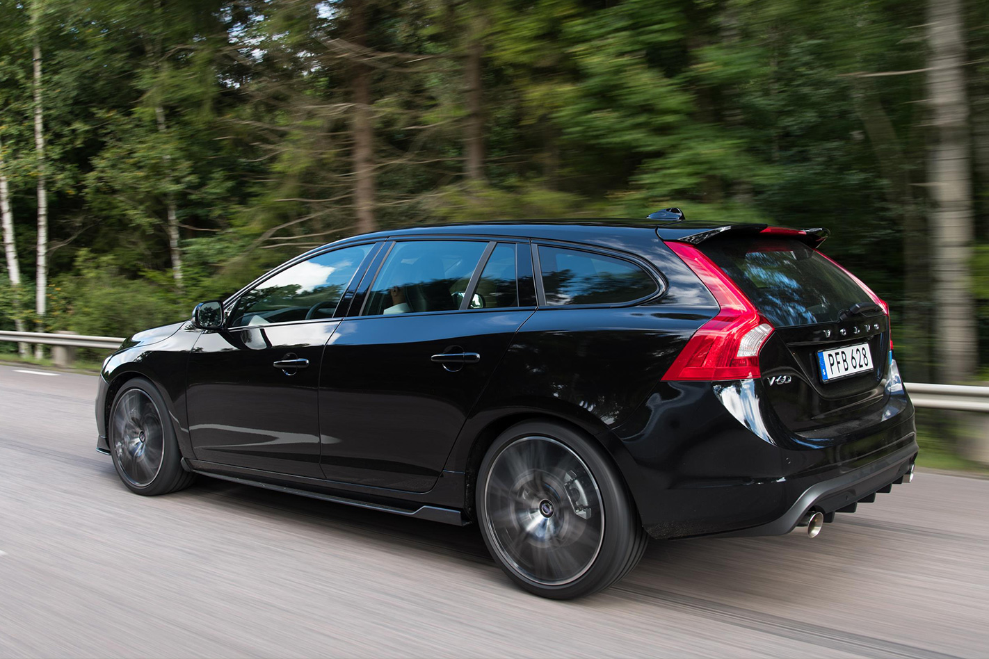 2018 Volvo S60 and V60 Polestar get race-honed aerodynamics