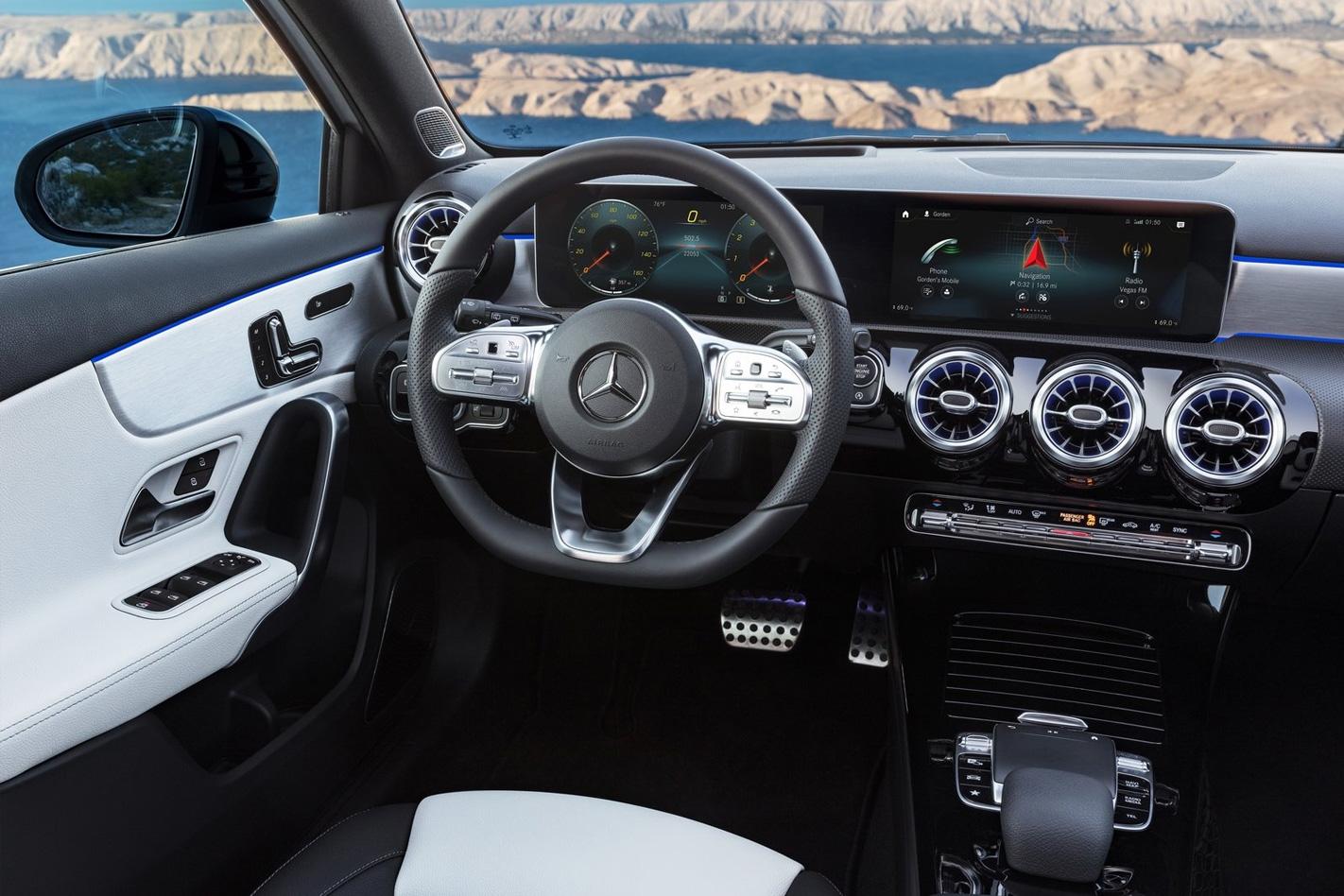 2018 Mercedes-Benz A-Class gains wireless Apple CarPlay