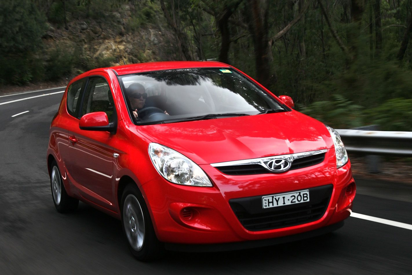 hyundai i20 review price features. Black Bedroom Furniture Sets. Home Design Ideas