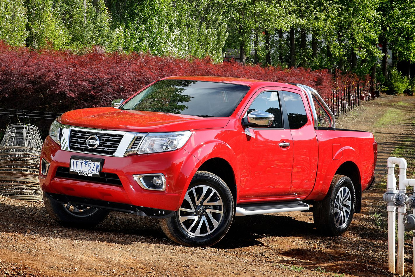 nissan navara king cab st pickup review. Black Bedroom Furniture Sets. Home Design Ideas