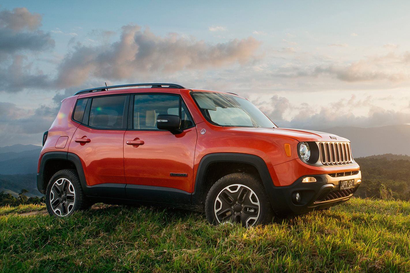 jeep renegade sport review. Black Bedroom Furniture Sets. Home Design Ideas