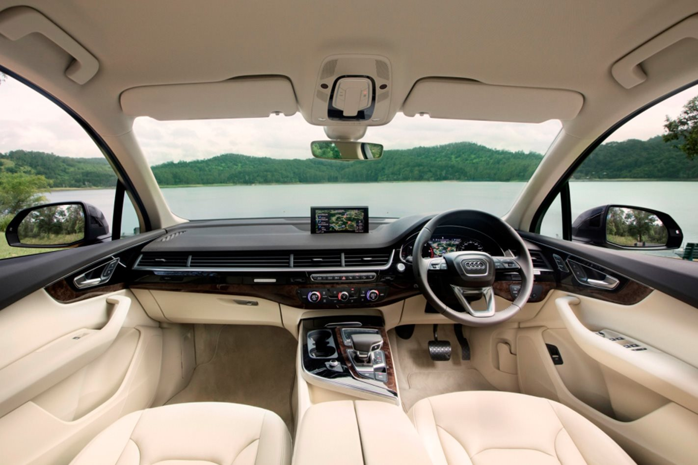 Audi Q7 Review, Price & Features