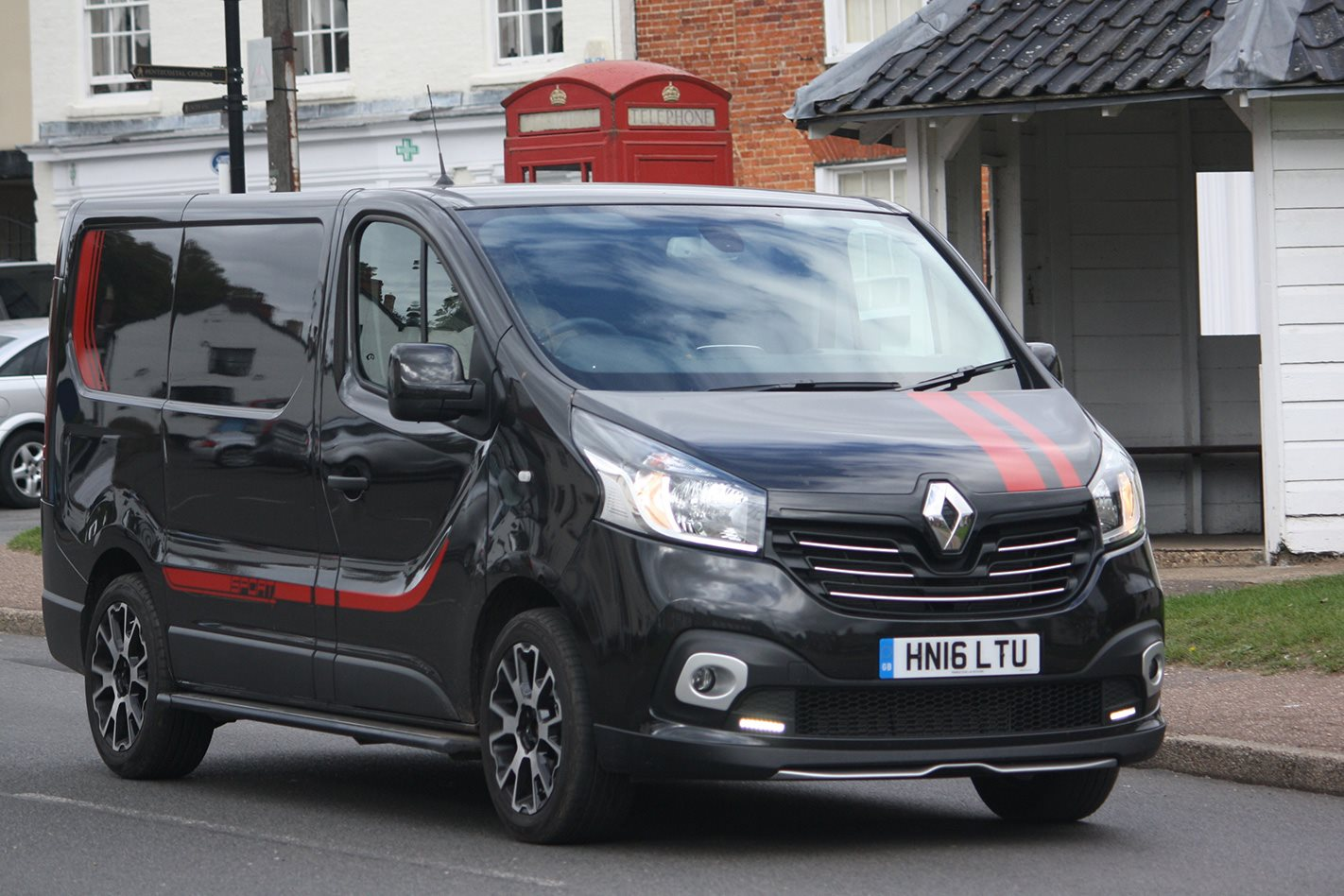 2016 Renault Trafic Sport Quick Review