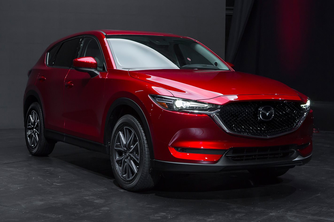 2017 mazda cx 5 aims to maintain suv sales crown. Black Bedroom Furniture Sets. Home Design Ideas