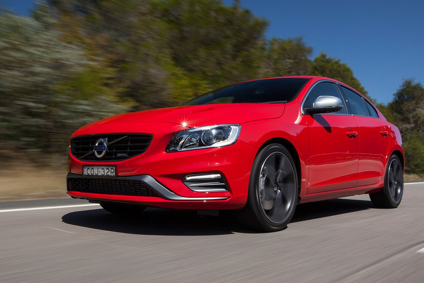 Volvo S60: Operating the system