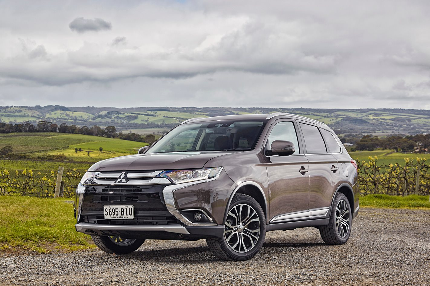 2017 mitsubishi outlander ls awd did safety pack quick review. Black Bedroom Furniture Sets. Home Design Ideas