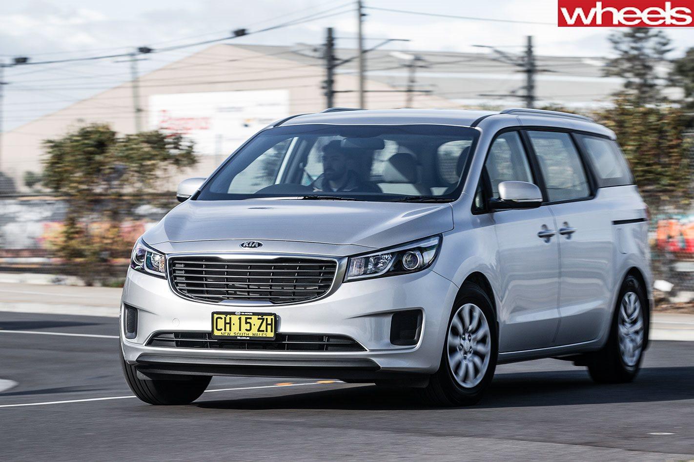 37cf1e6867 2018 Kia Carnival Range Review