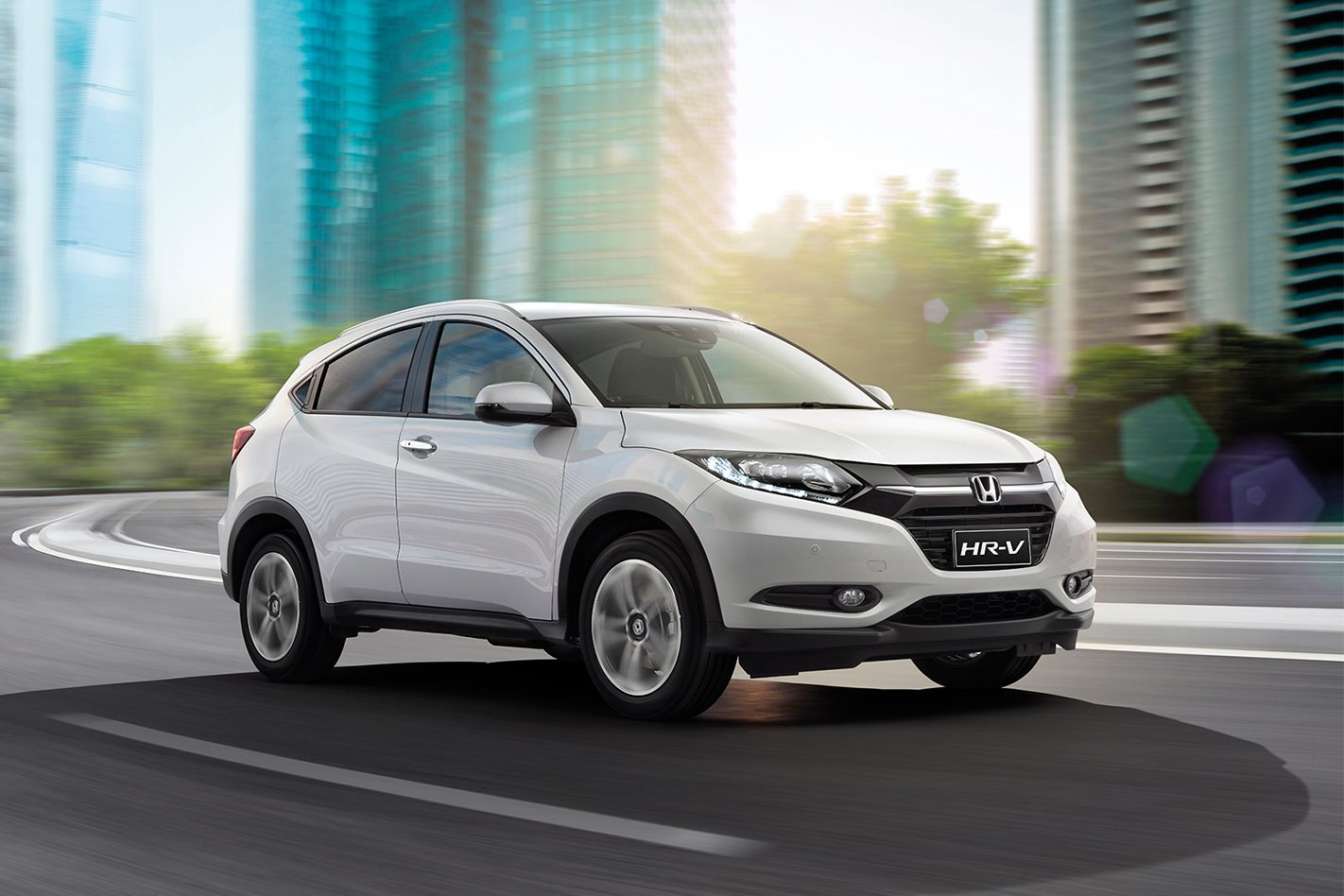 Cx 3 Vs Hrv >> Honda HRV VTI-L vs Nissan Qashqai Ti vs Citroen C4 Cactus vs Peugeot 2008: Which small SUV ...