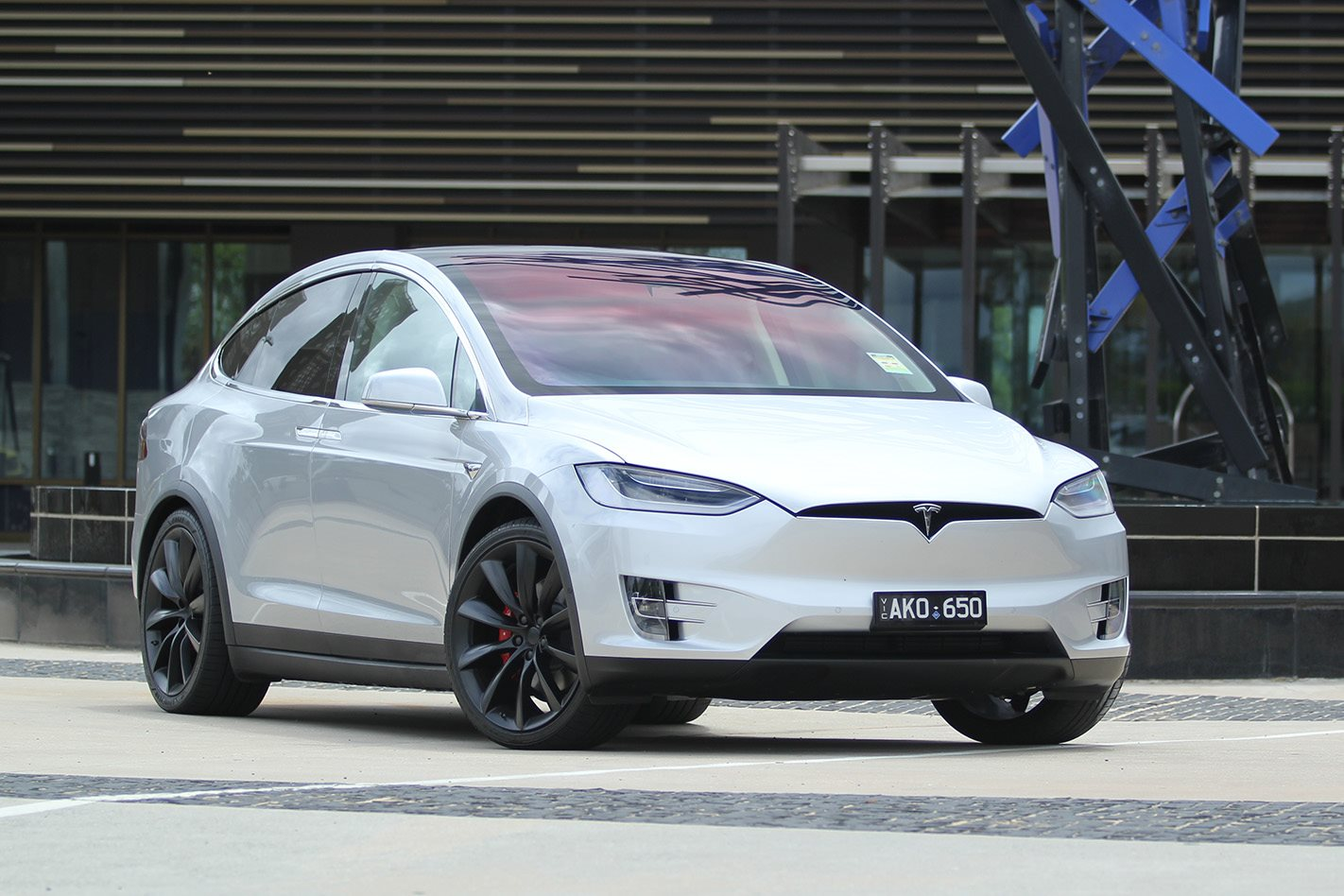2018 Tesla Model X Price Falls As Production Efficiency Improves