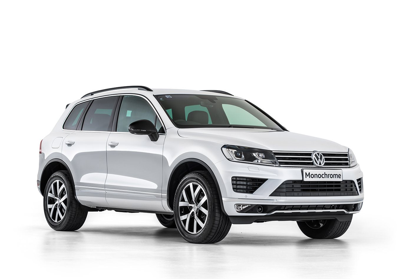 2017 volkswagen touareg monochrome revealed. Black Bedroom Furniture Sets. Home Design Ideas