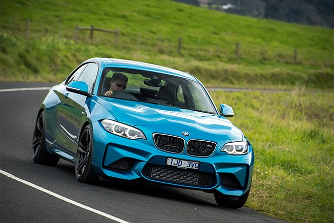 2017 BMW M2 Pure driving
