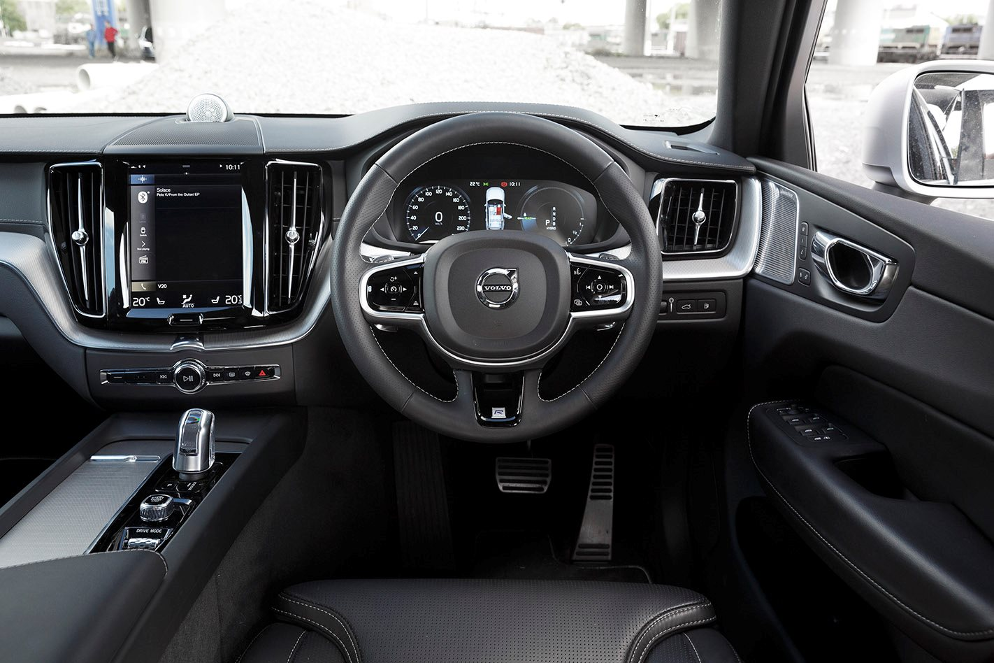 Volvo XC60 2018 Review, Price & Features